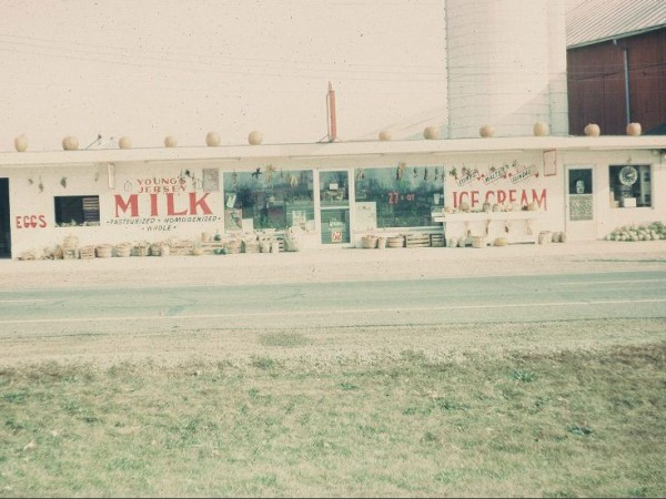 Youngs-Dairy-Store-1965