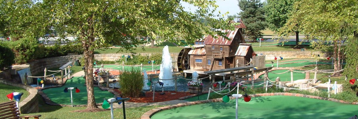miniature golf at youngs dairy 2