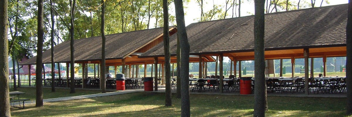 picnic shelter at youngs dairy