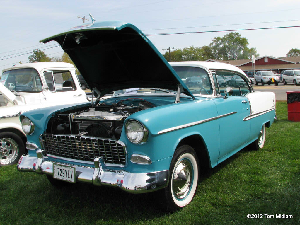 Clark County Retired Teachers Car Show | Young's Jersey Dairy