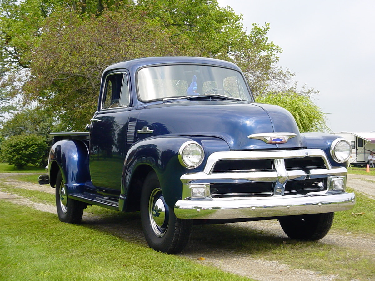 Annual Vintage Truck - Young\'s Truck Show | Young\'s Jersey Dairy